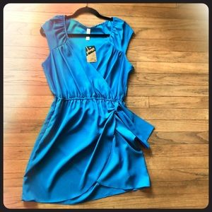 Dress with faux side tie
